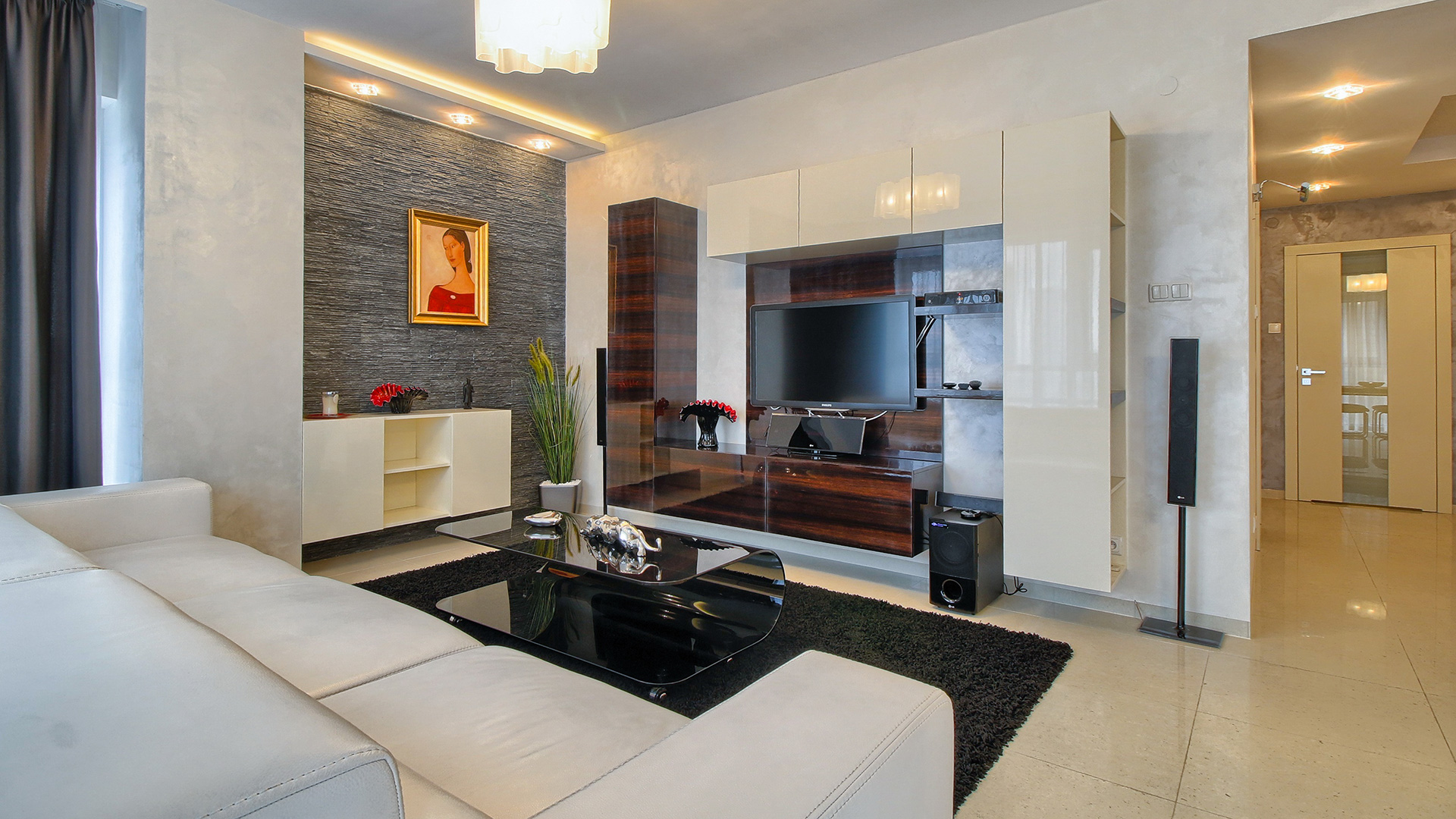 Luxury apartment Platinum Towers